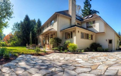 lovely_stone_driveway